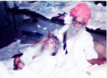 Bhagat Puran Singh caring for a patient